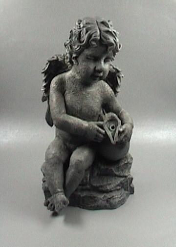 """Wasserspeier """"Sitzender Engel mit Vase"""""""